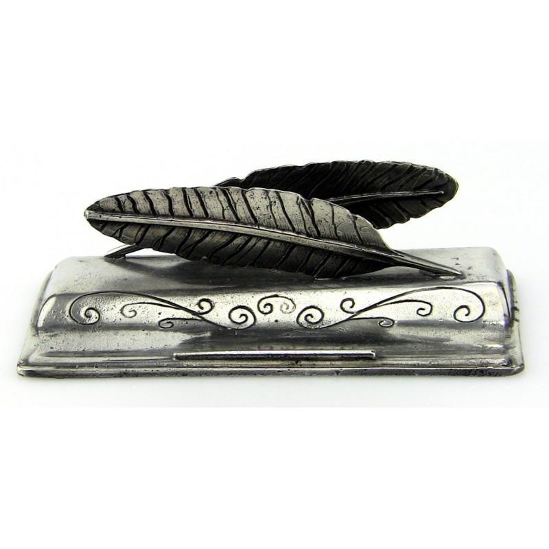 Porte lettres et crayon décor plume en étain.