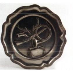 Assiette emblème chasse en étain