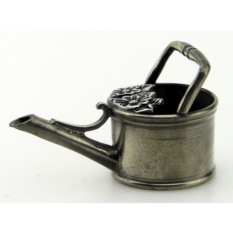 Arrosoir miniature en étain